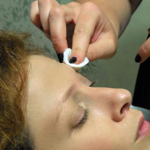 Naravno oblikovanje obrvi lux brows nika veger