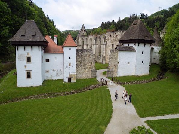 Golden Hill Slovenia Charterhouse Žiče Beautyfullblog