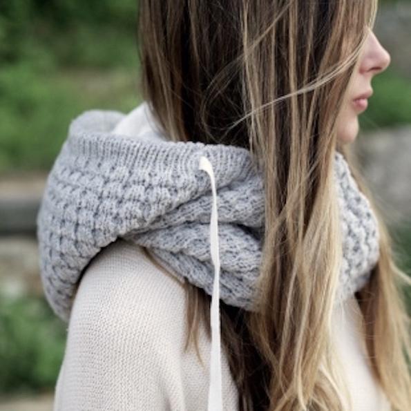 26-pletenine-beautyfullblog-light-grey-merino-hooded-scarf-by-wild-mante