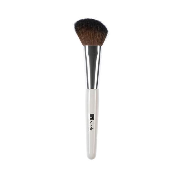 licila-italijanska-kozmetika-itstyle-beautyfullblog-angle_blusher_brush