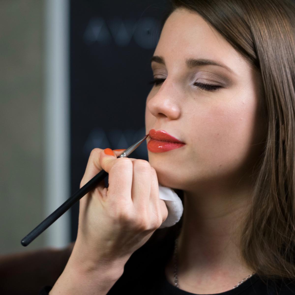 Avon Mark licila red lipstick rdeca sminka
