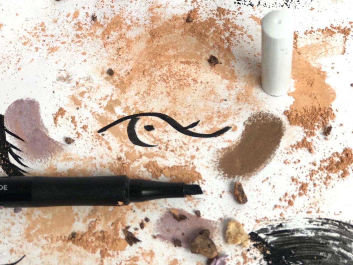 Avon Mark Mega Effects Eyeliner Beautyfullblog