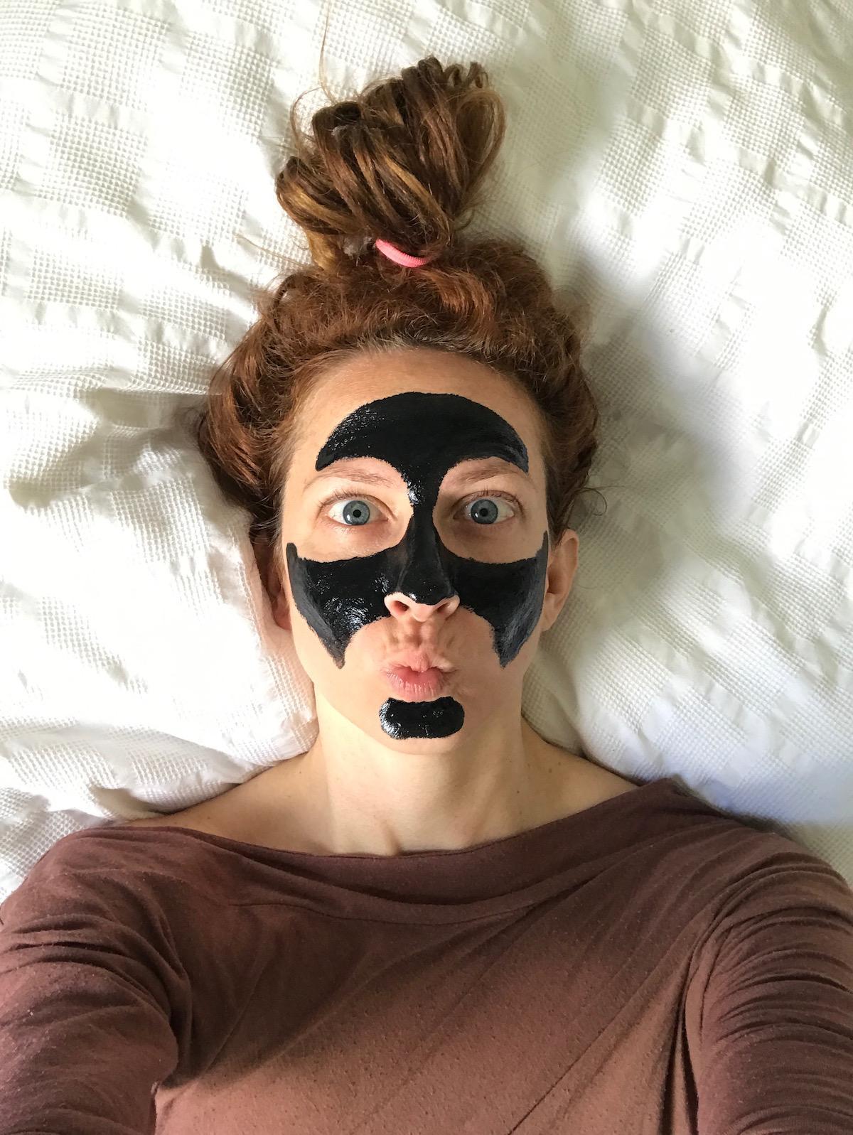 Črna maska za odstranjevanje ogrcev Beautyfullblog