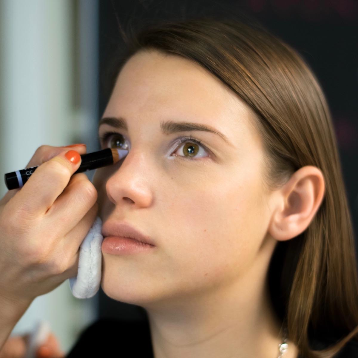 Avon mark vijolični korektor beautyfullblog ličenje makeup