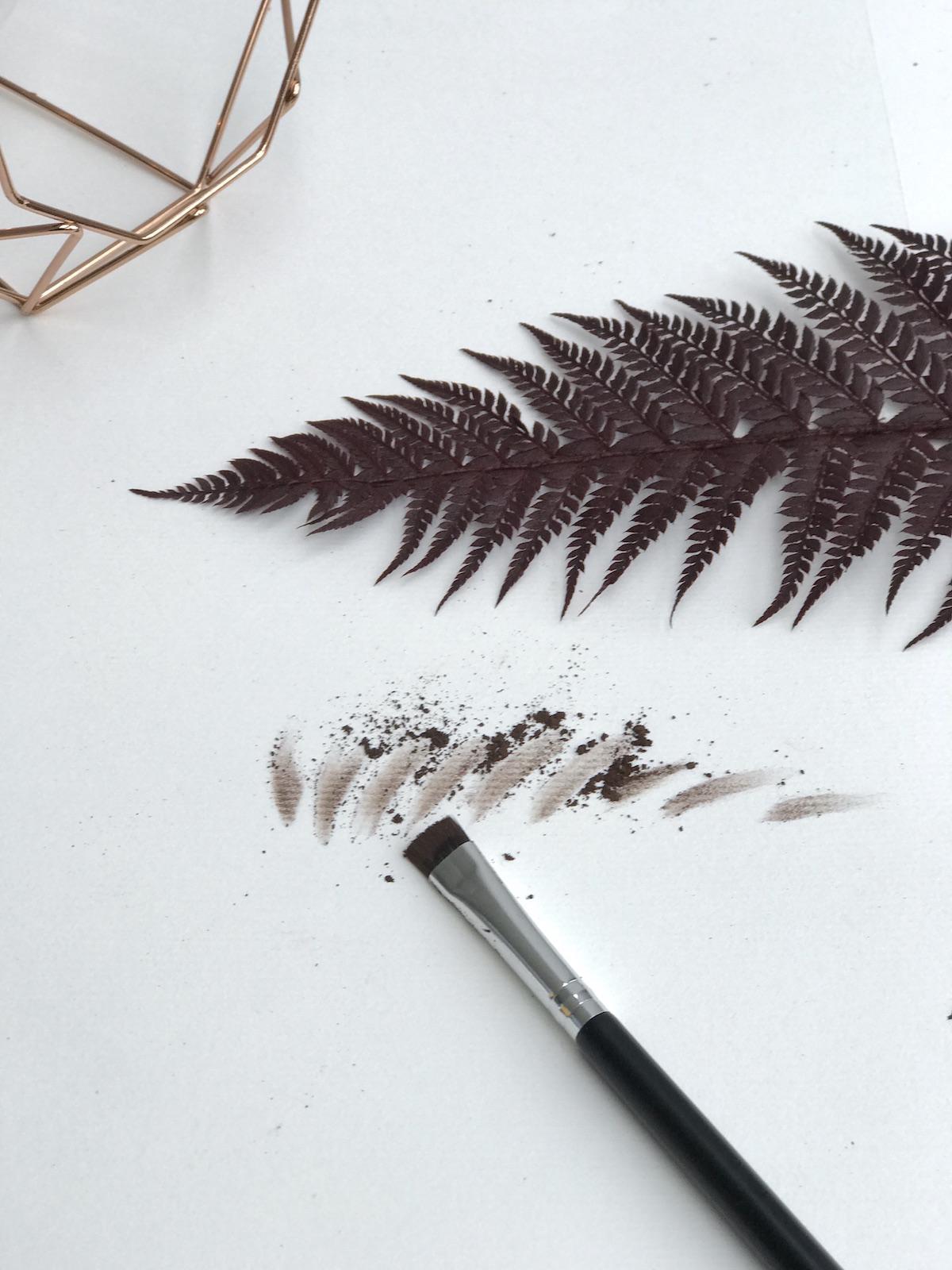 Lotique Makeup Beautyfullblog NIka Veger sencilo za obrvi