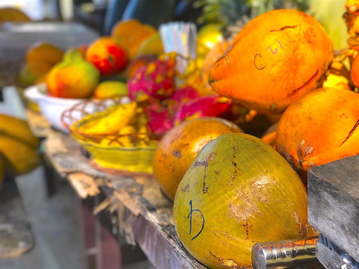 maldivi poceni budget hrana tropical
