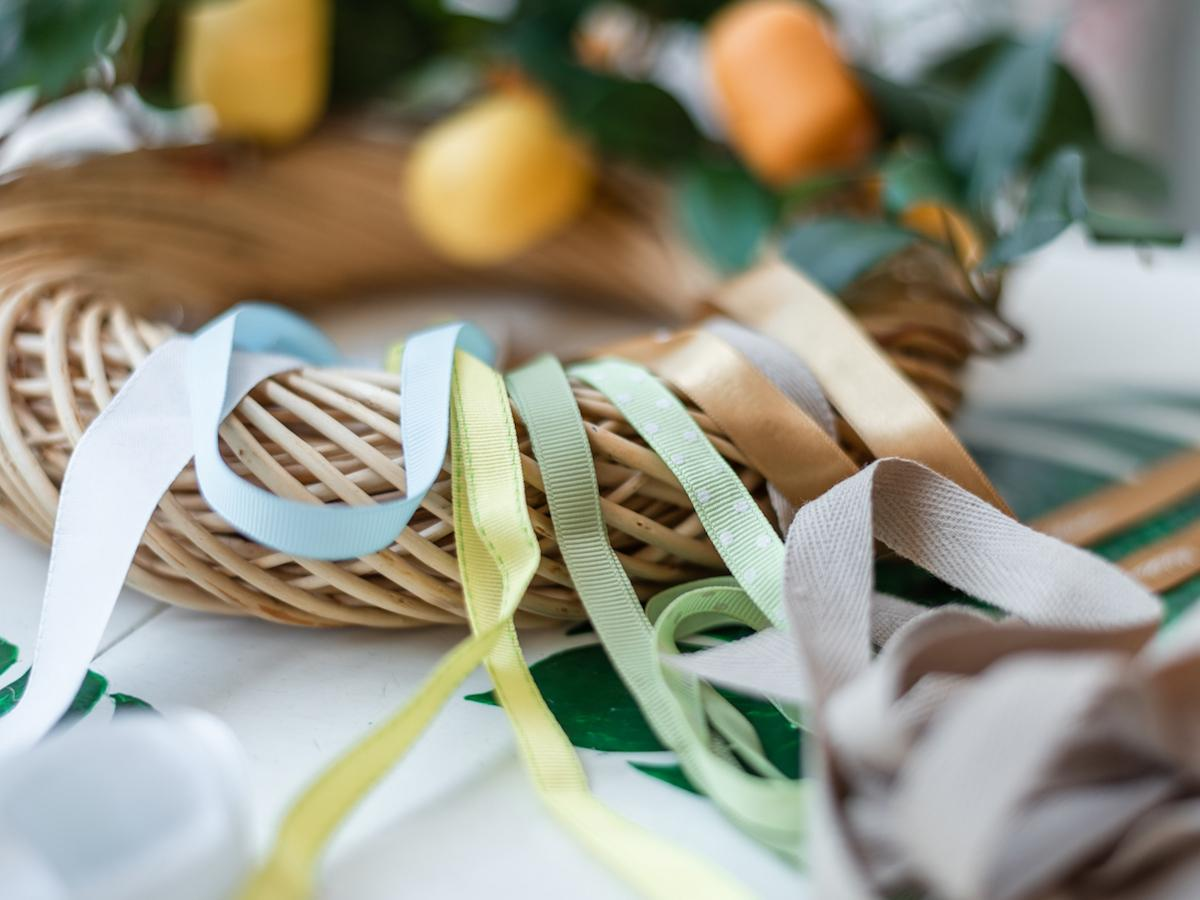 kinder velikonočna jajca recikliraj poletni venček