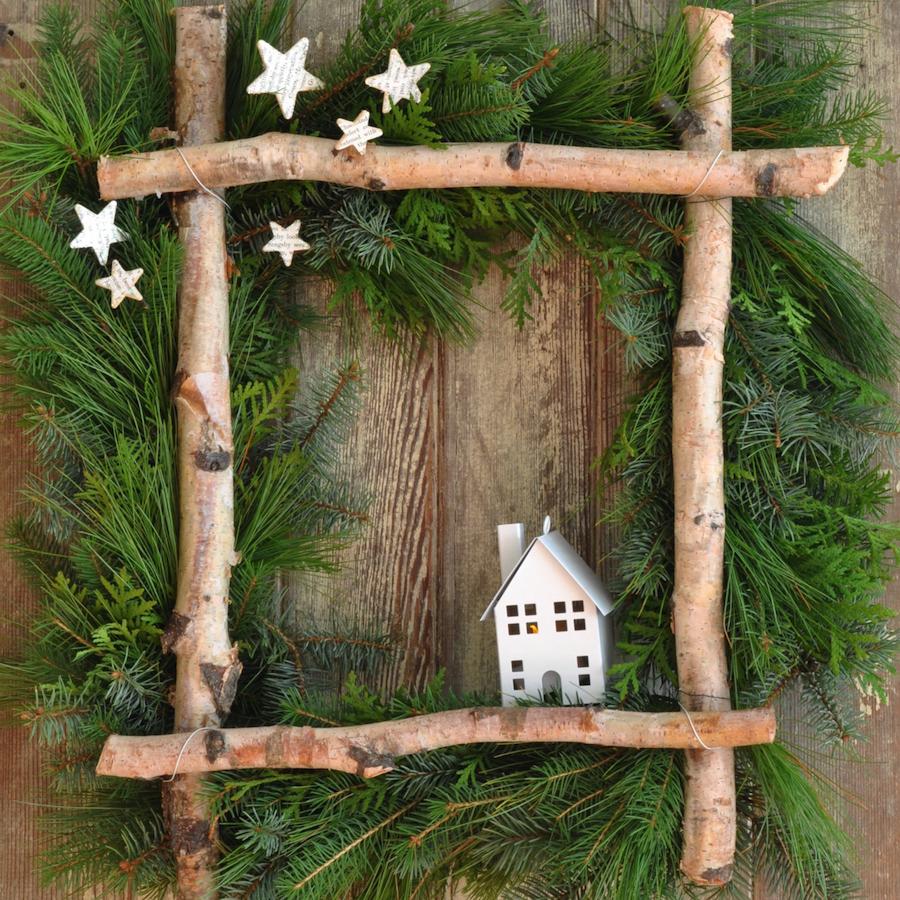 kvadraten adventni vencek okno veje hiška Beautyfullblog