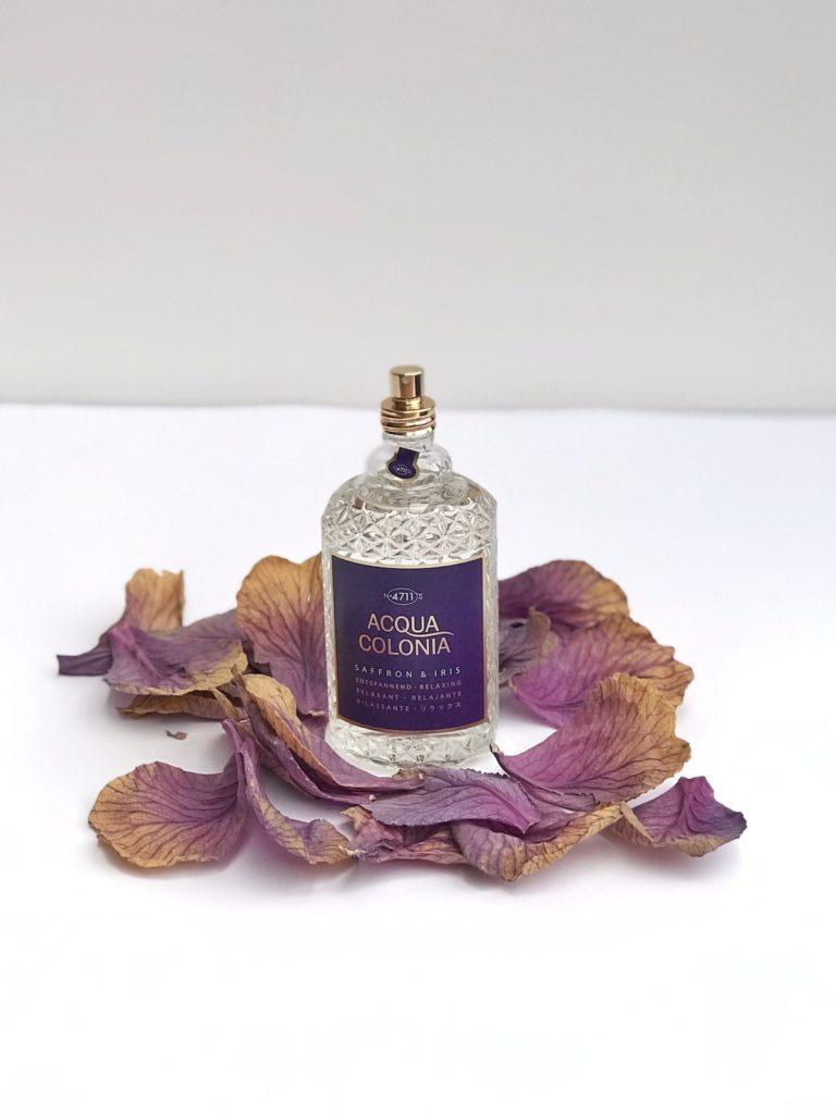 vijola vijolična kozmetika parfum aqua colonia iris žafran saffron