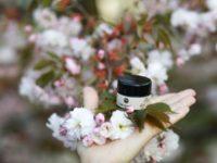 Mayarula eko naravna kozmetika Nika Veger Beautyfull blog krema za okrog oči češnjevi cvetovi