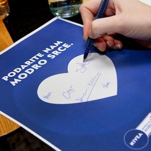 5 NIVEA Podarite nam modro srce