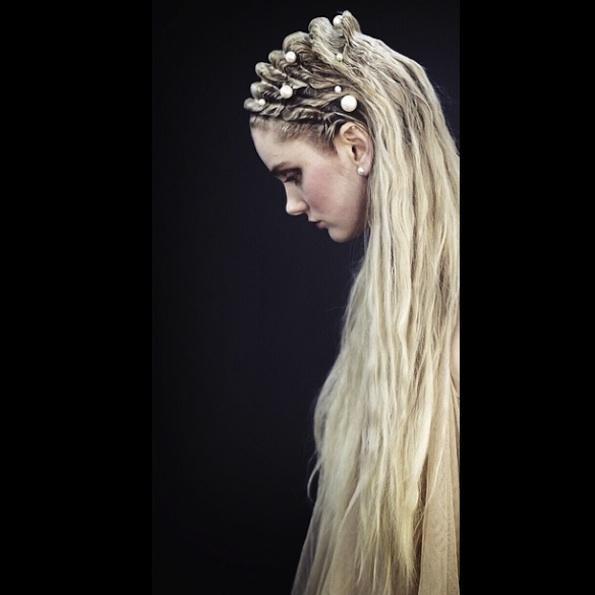 Čudovita poletna različica poročno spetih las. Hairstyle: Allen Thomas Wood