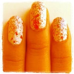 zobna scetka nail art
